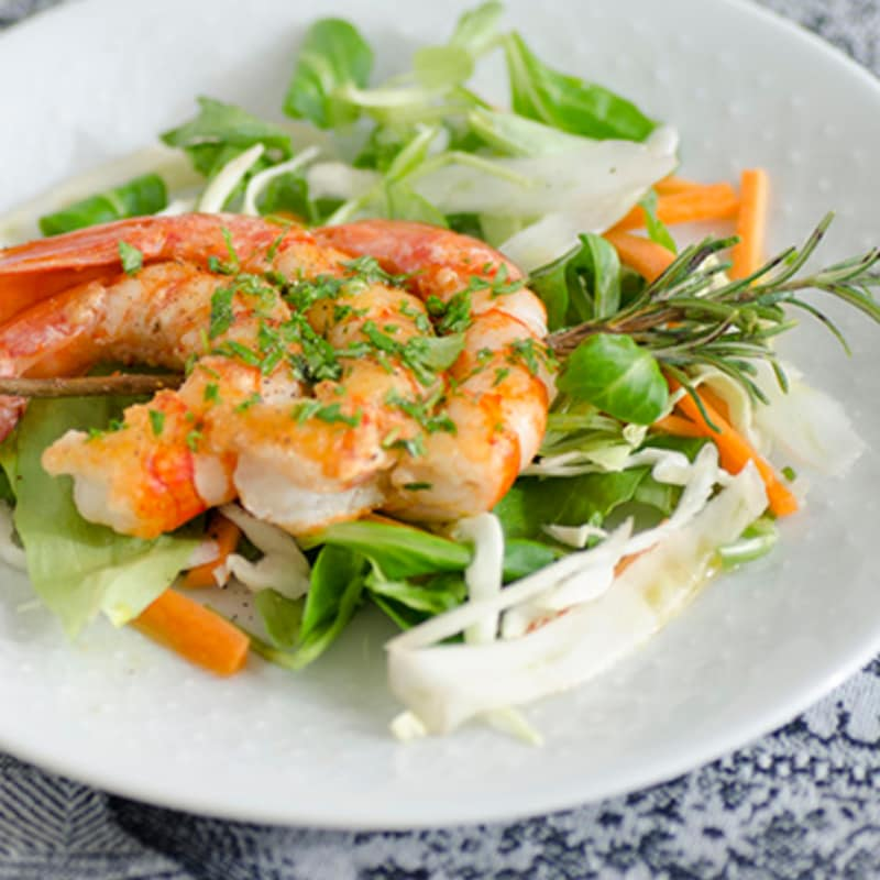Skewer prawns in rosemary