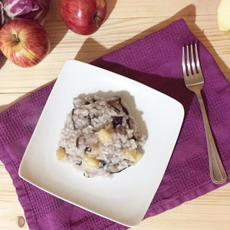 las manzanas y risotto radicchio