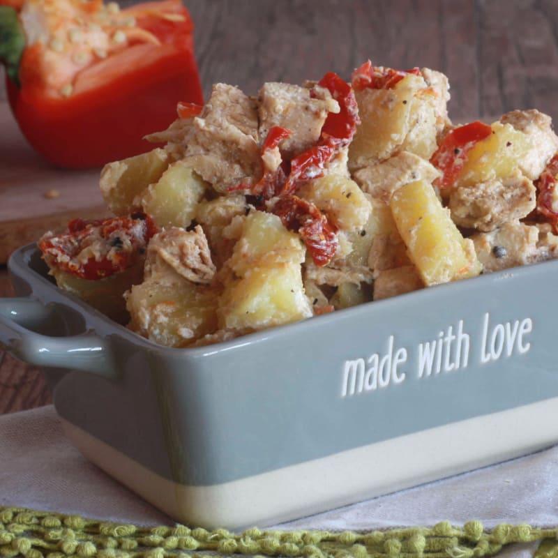 ensalada de pollo y las patatas
