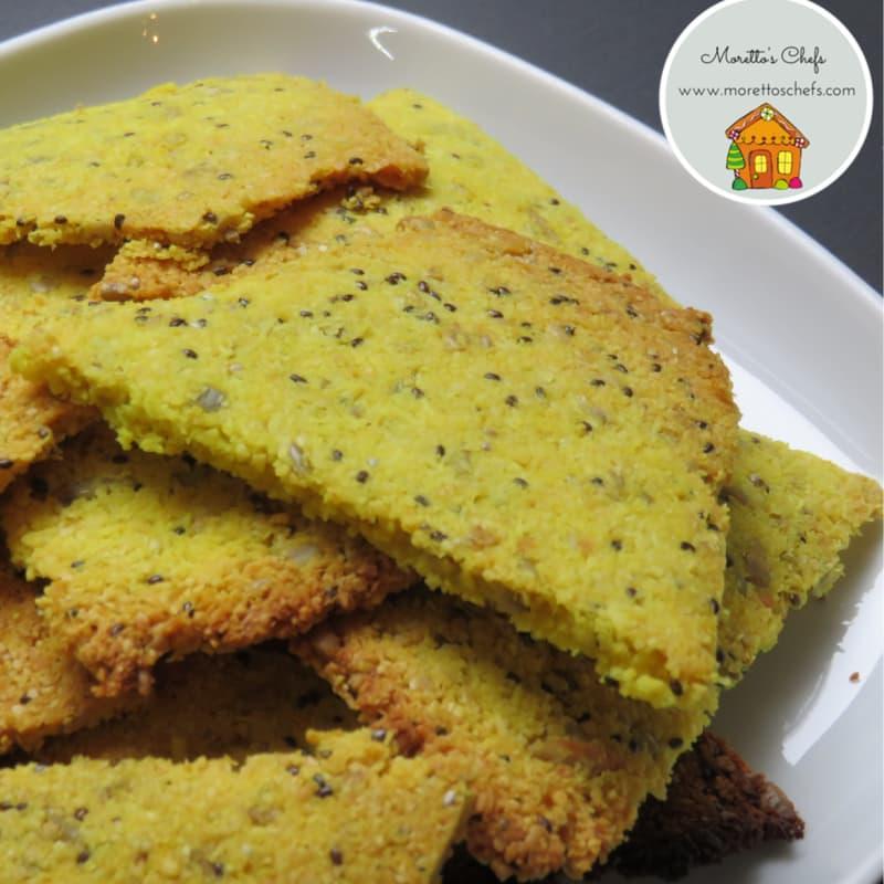 Paleo vegan crackers alla curcuma