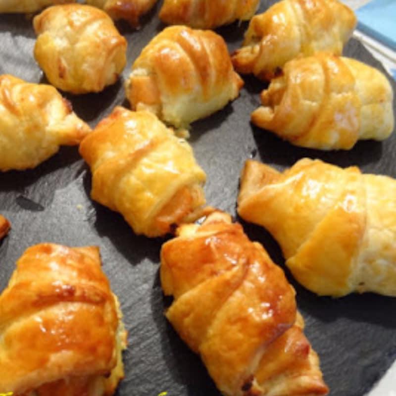 Small croissants marinated salmon