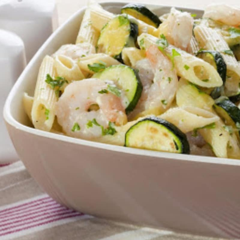 Pasta with zucchini and shrimp