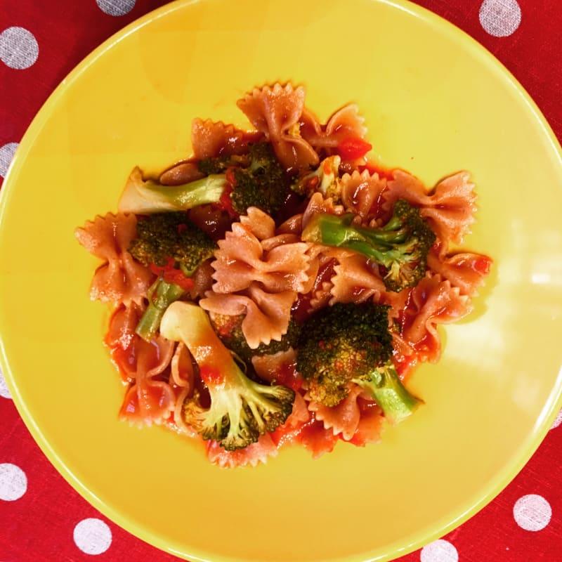 Pasta con brócoli picante