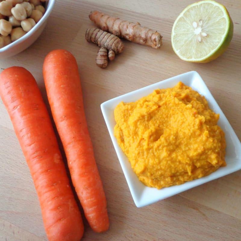 Salsa di ceci, carote e curcuma