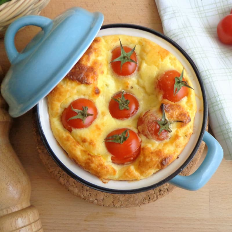 Cocotte con queso ricotta con tomate