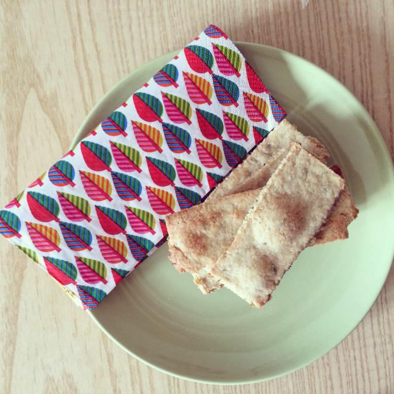 Crackers da aperitivo all'olio di oliva e origano personalizzabili