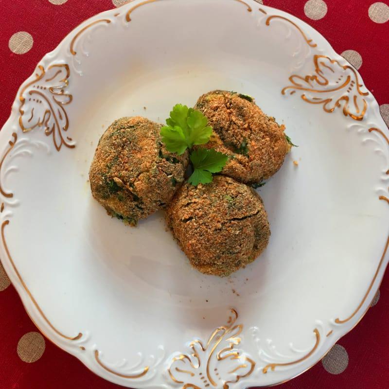 Albóndigas con espinacas y patatas