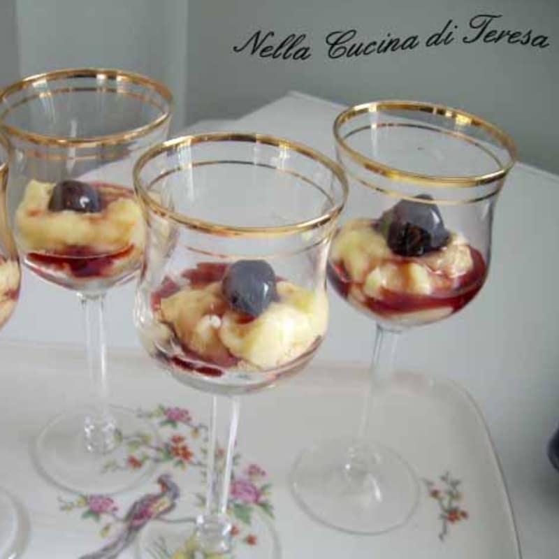 Dessert crema e amarena