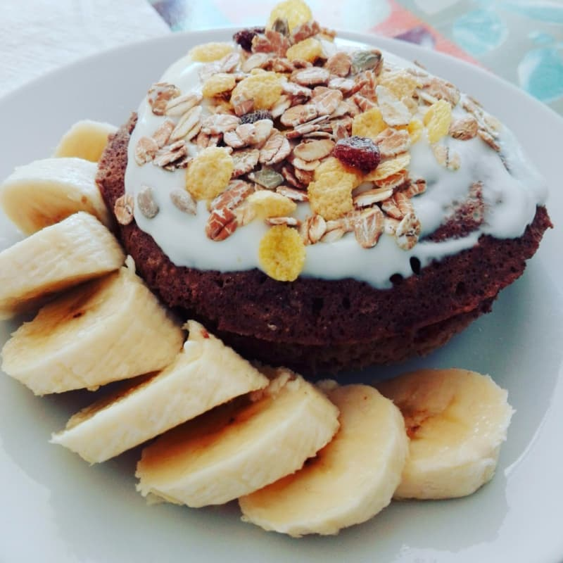 MUGCAKE OF BANANA, COCOA AND OATS