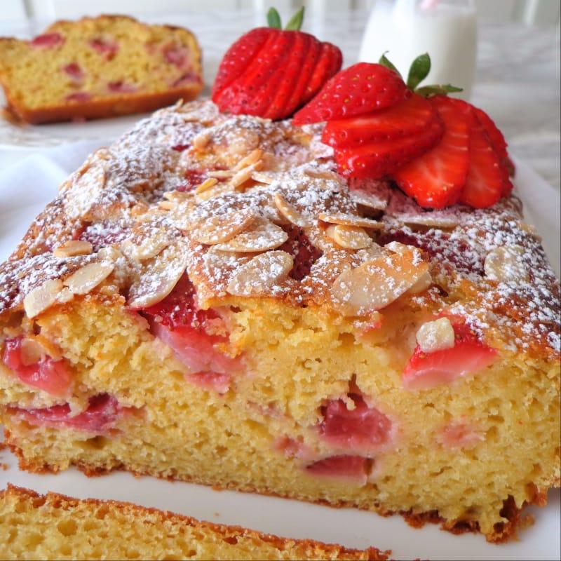 Plumcake de fresas y queso cottage sin mantequilla