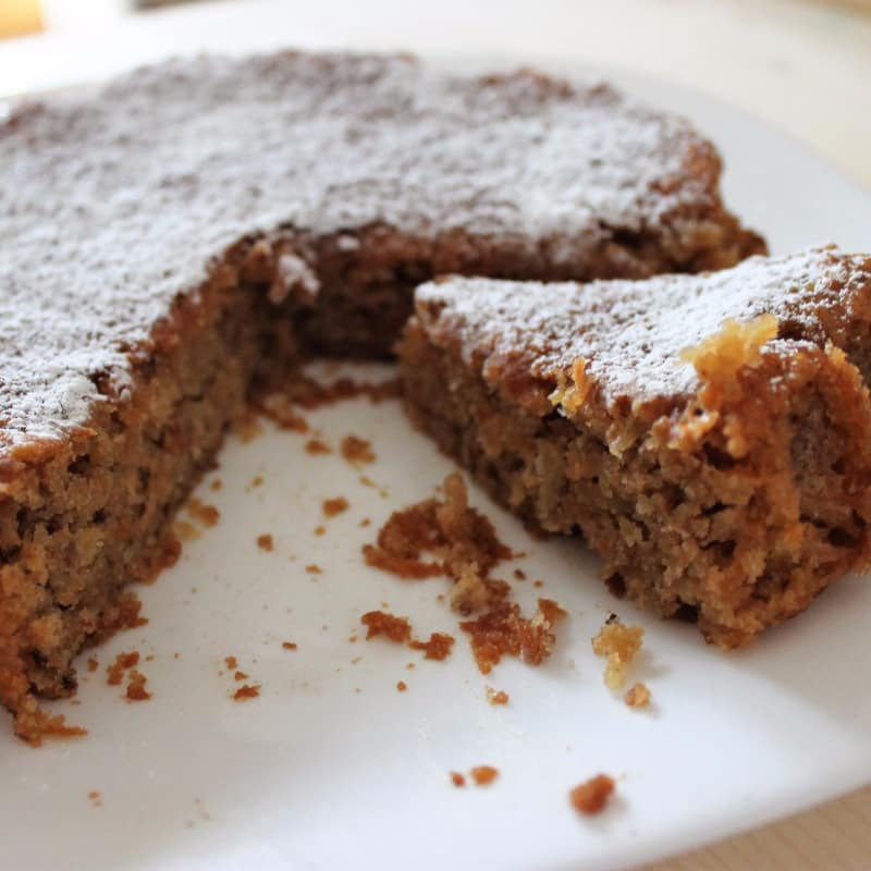 Cake with carrots, apples and hazelnuts with cinnamon perfume