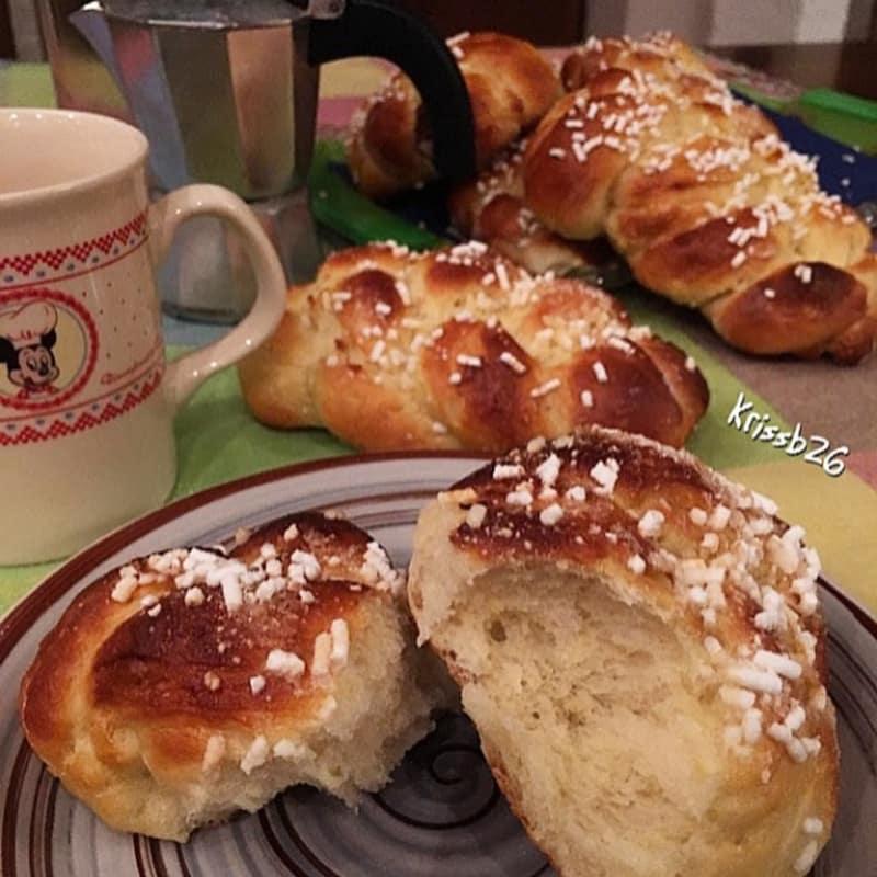 Coletas de pan brioche limón sin mantequilla