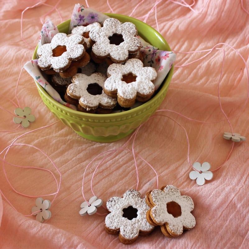 Margheritine di frolla con confettura