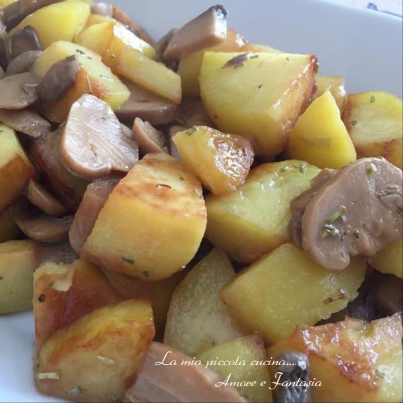 Patate e funghi champignon