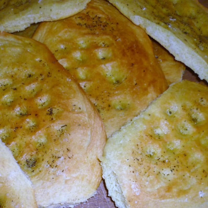 Focaccia oil with oregano and salt