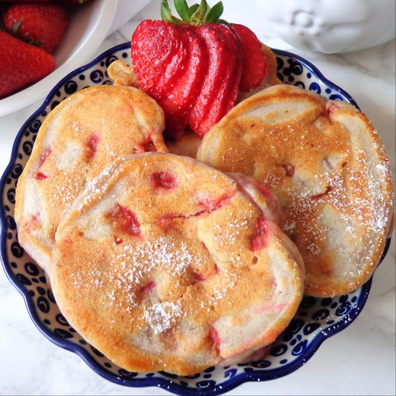 Tortitas con fresas y yogur