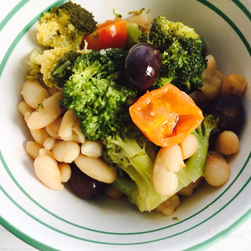 Broccoli stewed with beans