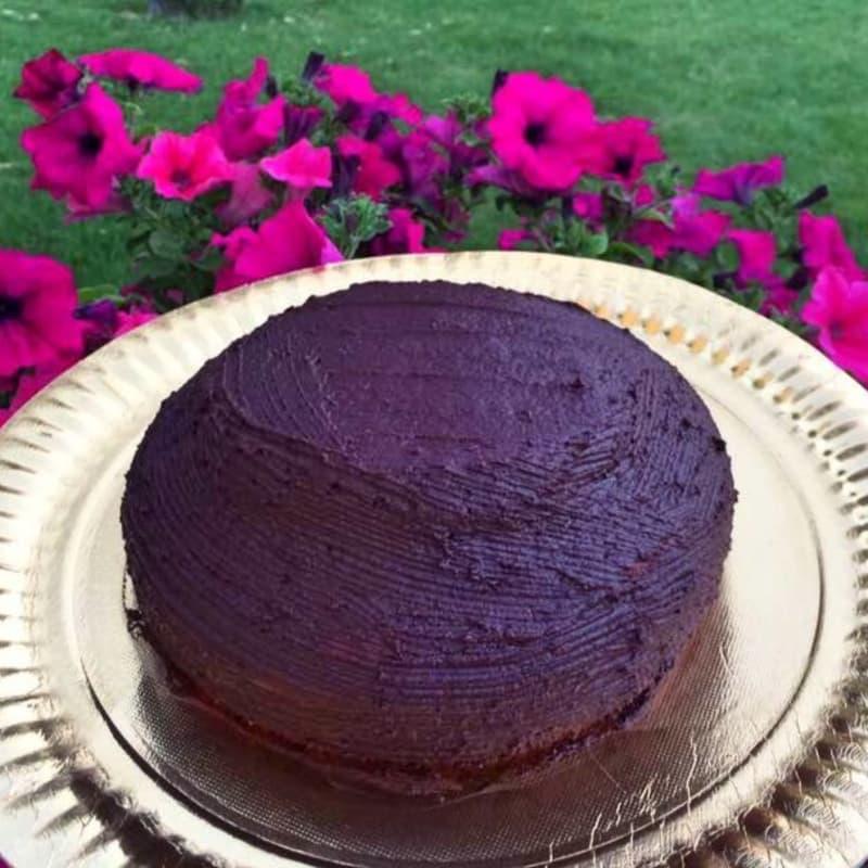 En la remolacha roja de la torta vegana