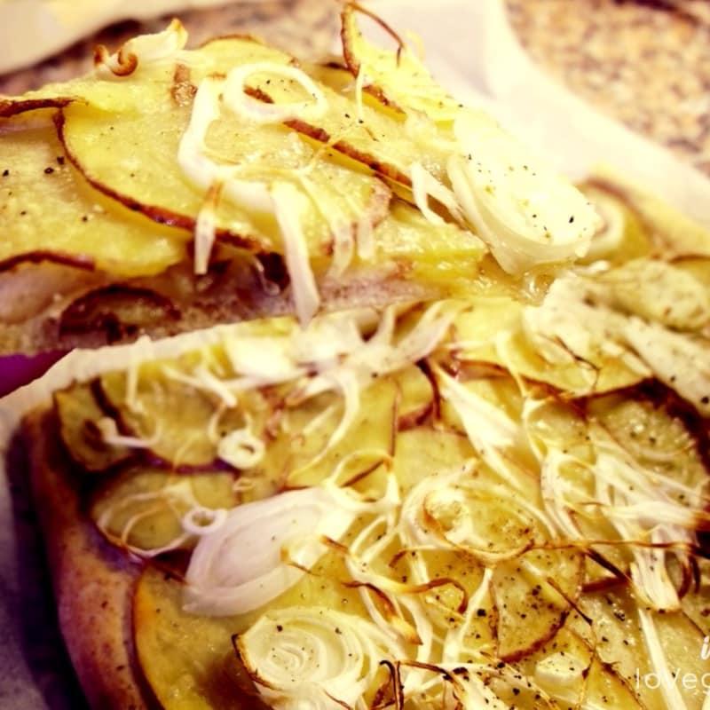 Focaccia con patatas y puerros