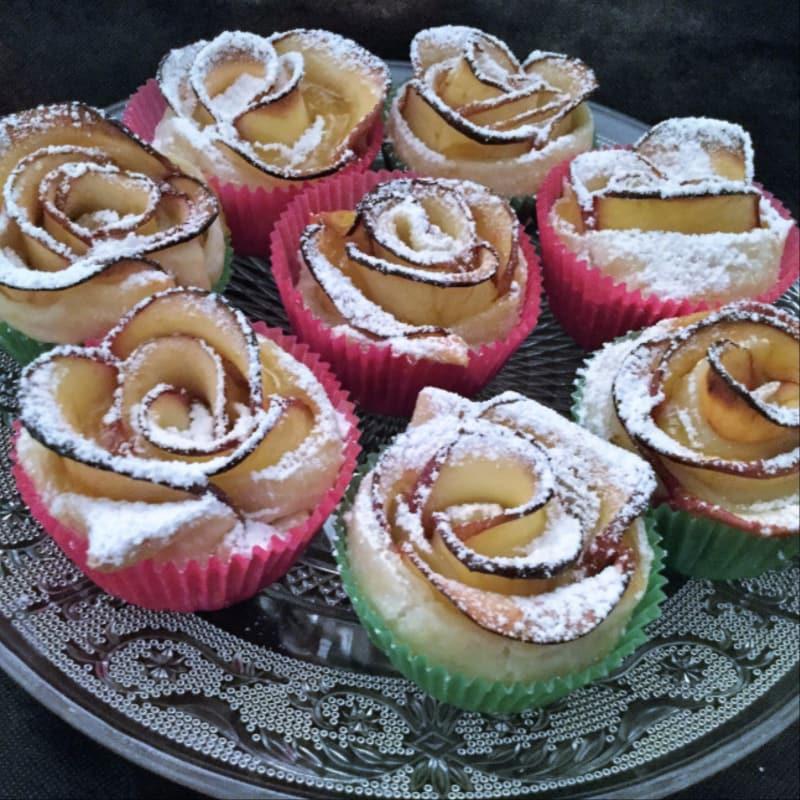 tarta de manzana rosa con hojaldre
