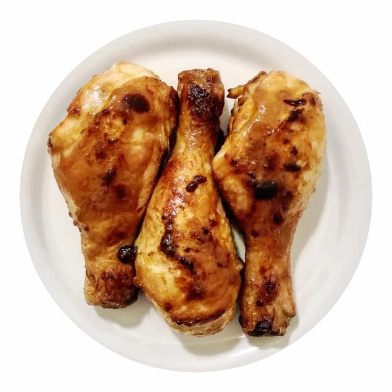 Al horno de pollo marinado con mostaza y salsa de soja