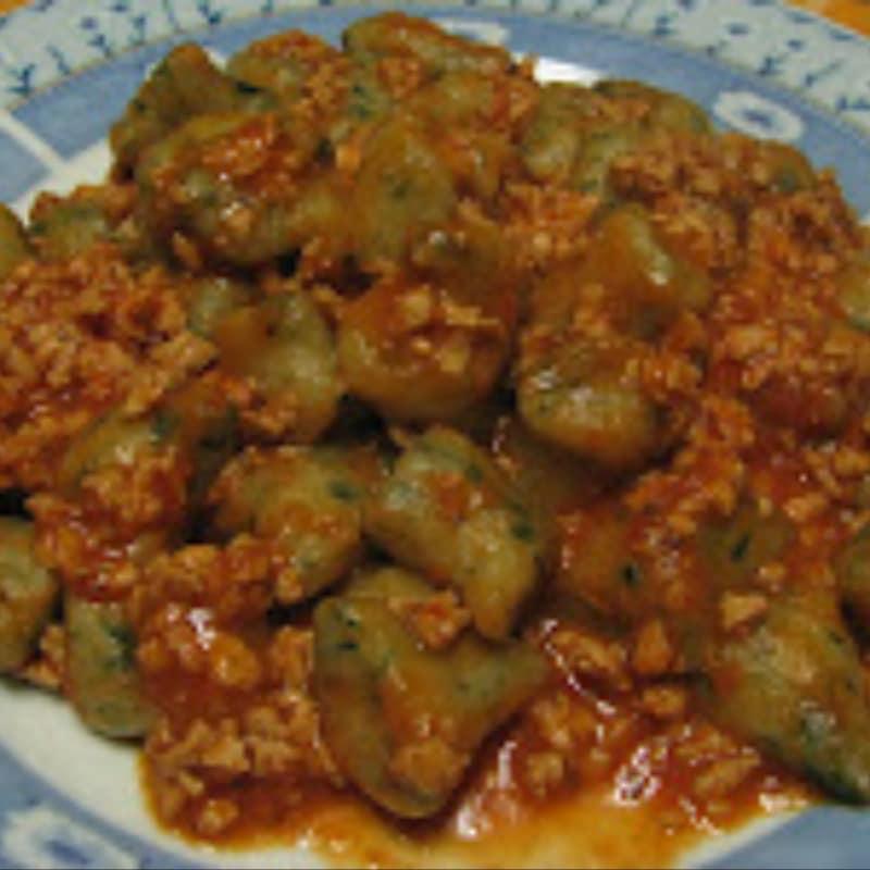Gnocchi con ragù di soia