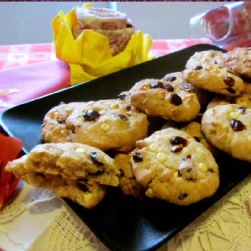 Cookies Semintegrali al Farro con cioccolato bianco e mirtilli