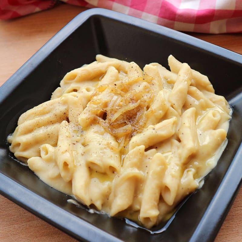 Pasta Con Purea Di Fave Bianche E Cipolla