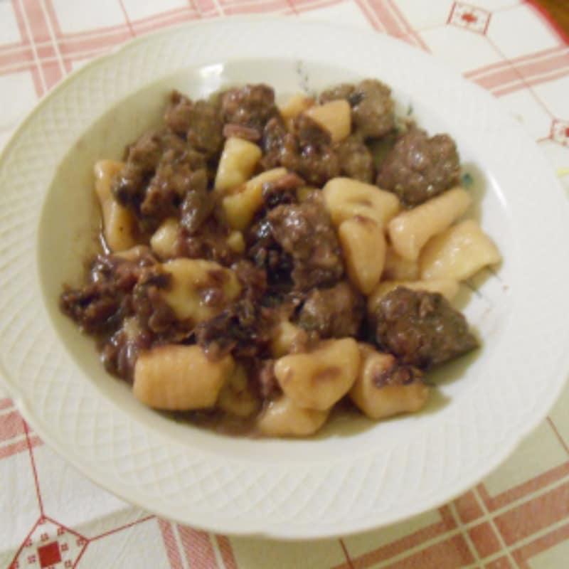 Gnocchetti di semola, verza e salsiccia
