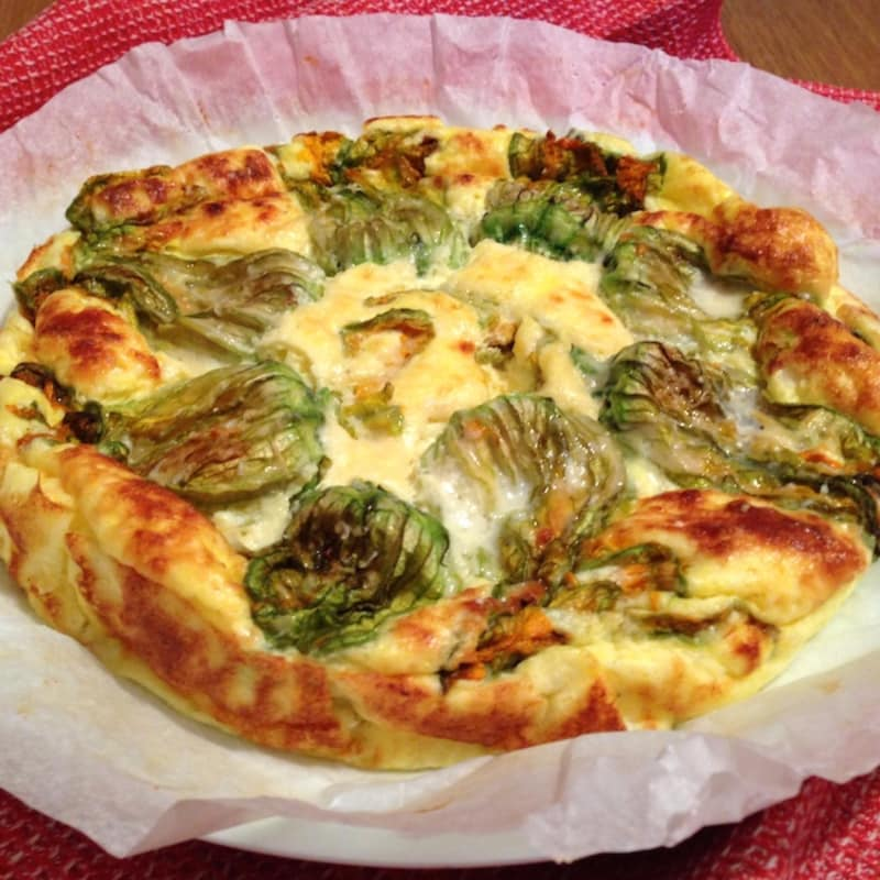 Quiche con flores de calabacín y queso fontina