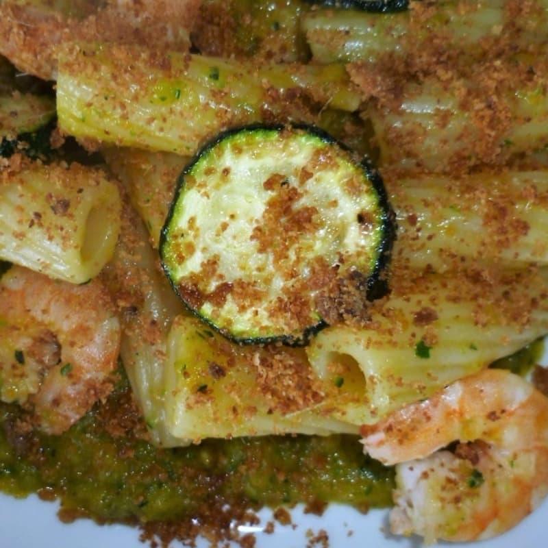 Pasta con zucchine e mazzancolle