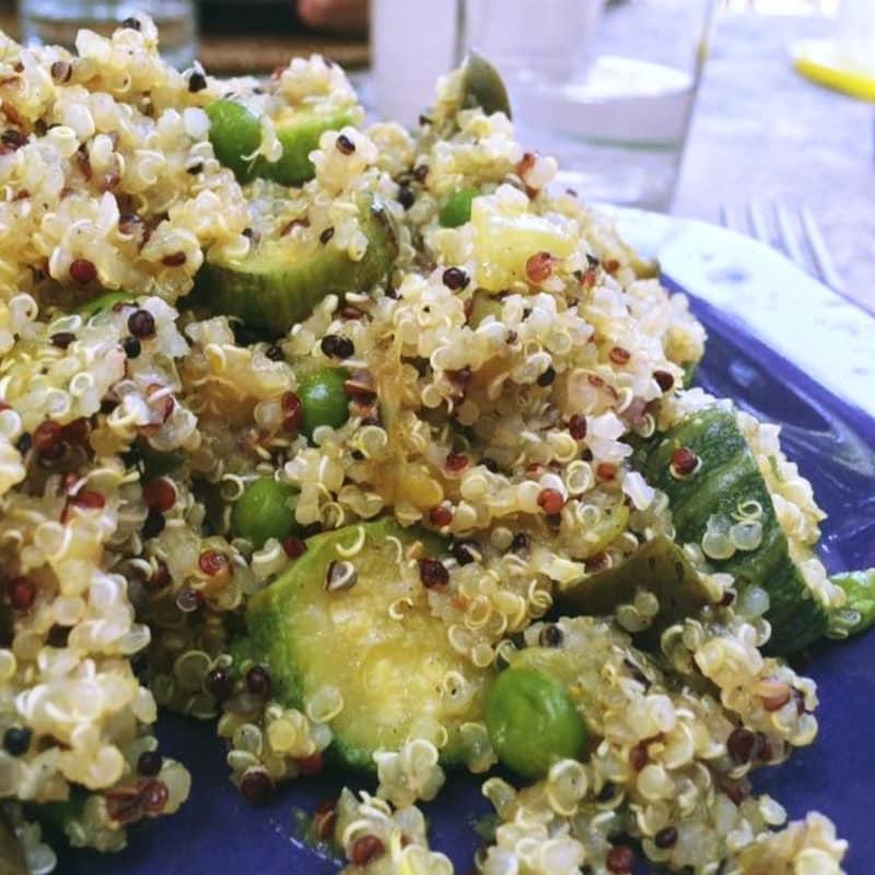 La quinua picante con verduras y anacardos