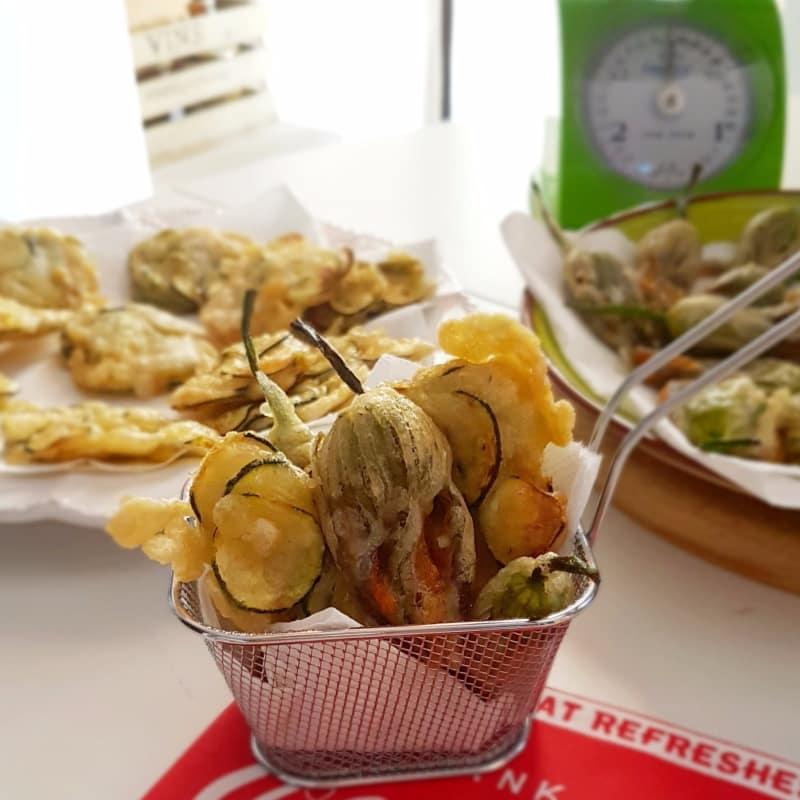 Fuori di zucca e frittelle di zucchine