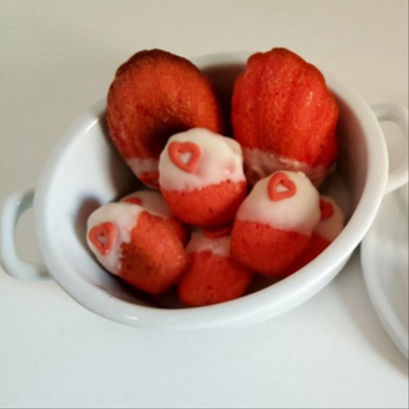 Madeleines con ricotta, arancia e cioccolato bianco