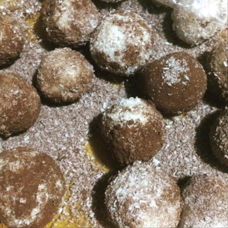 Praliné de chocolate y coco Ricotta gluten, lactosa y huevos