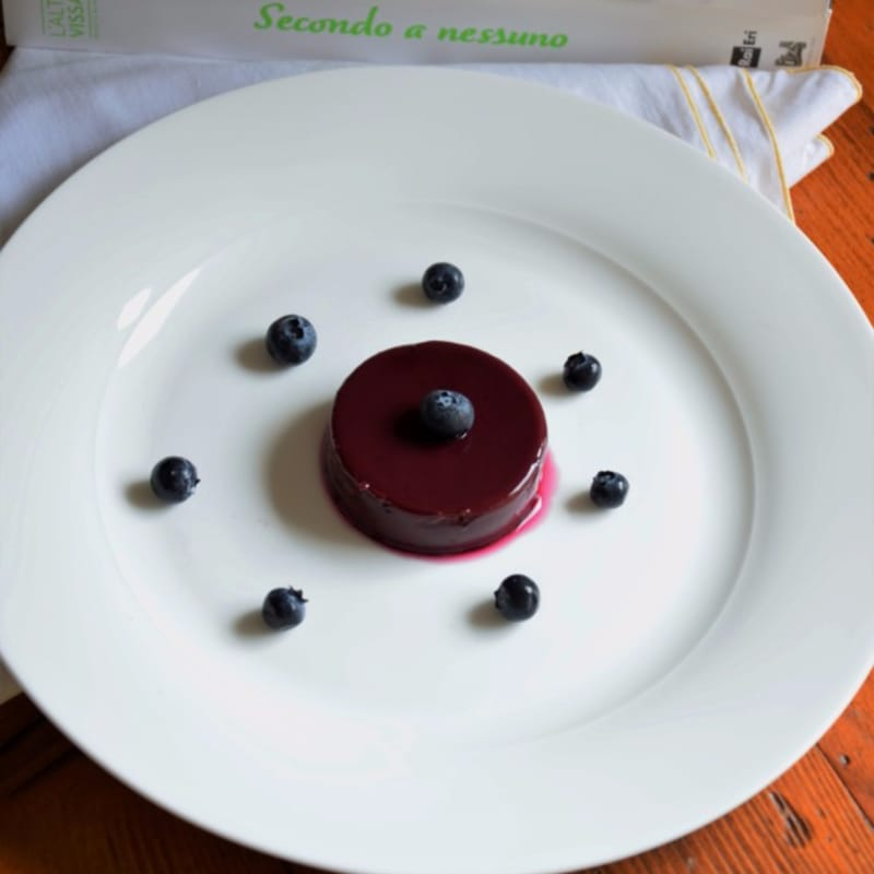 Pudding with blueberries