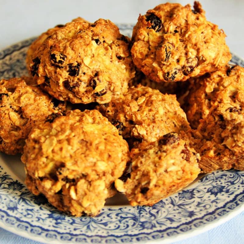 Biscotti di avena e uvetta senza uova e burro