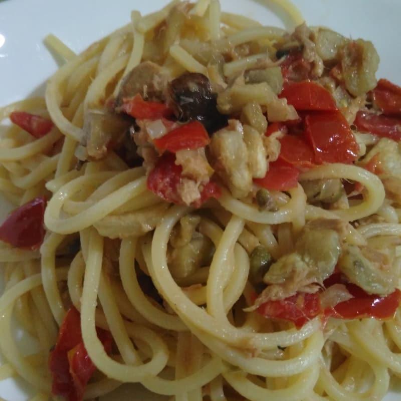 Espaguetis all'eoliana variante menos calorías