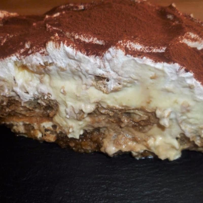 Tiramisu con Plumcake y croissant