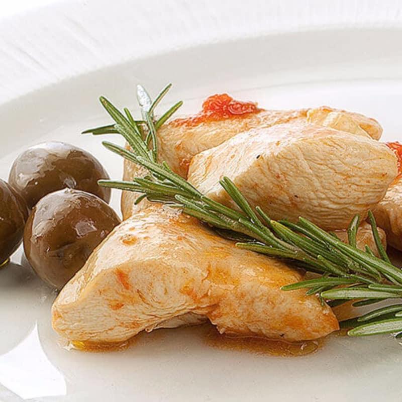 cacciatore de pollo con aceitunas Nocellara Belice en salmuera