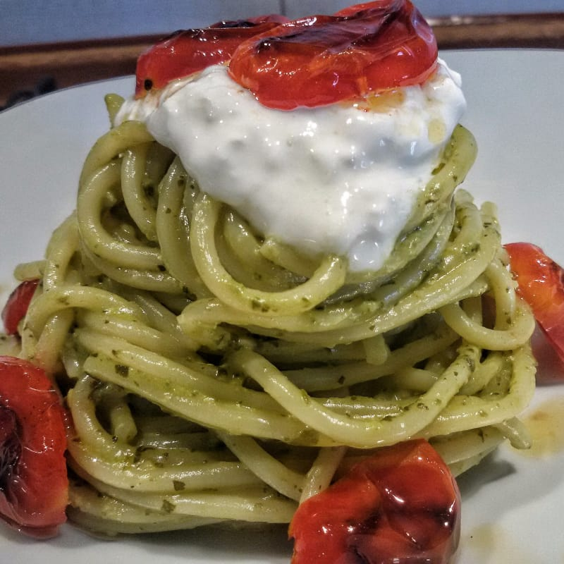Vermicelli pesto with bruised rocket and datterino