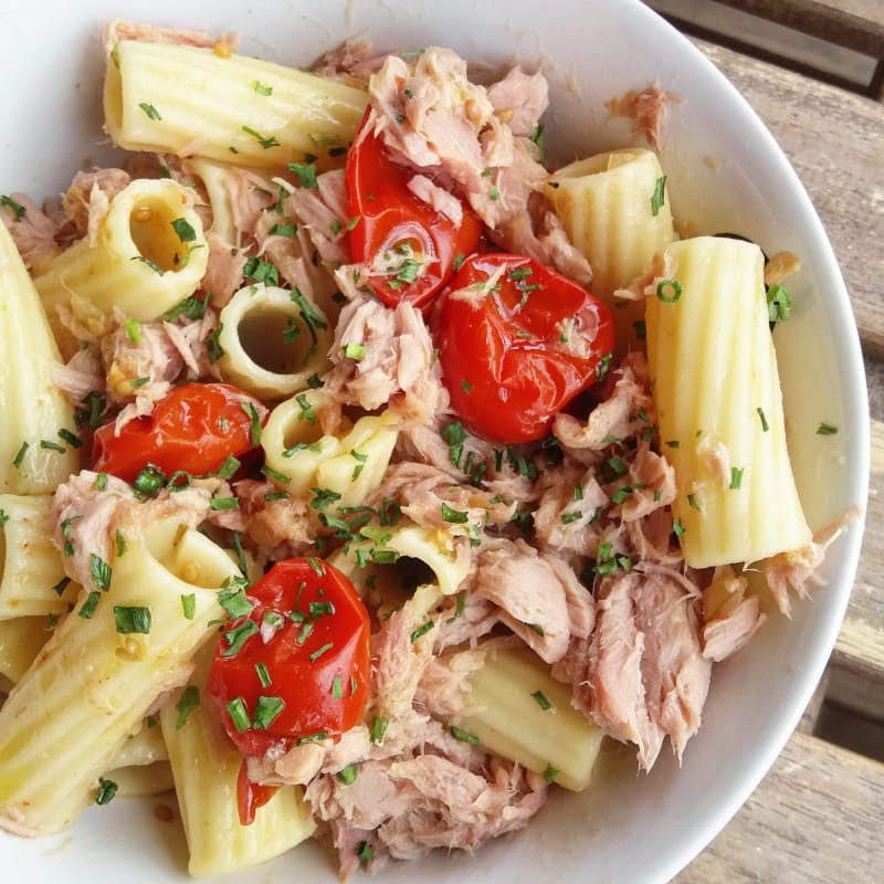 Cherry tomatoes and tuna cold pasta