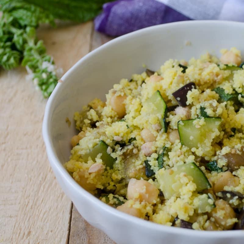 cuscús con garbanzos y verduras de atún
