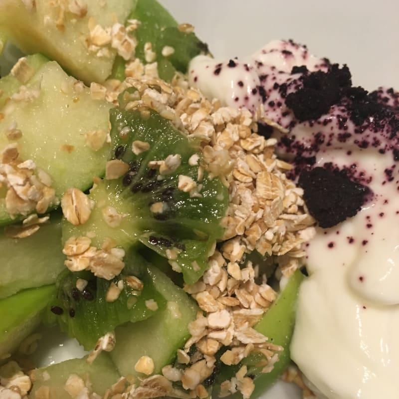 Yoghurt con frutas y maqui