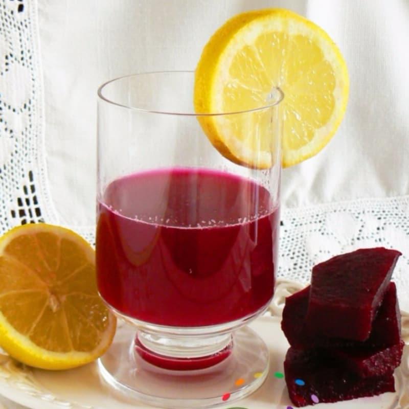 Bevanda di rape rosse e limone