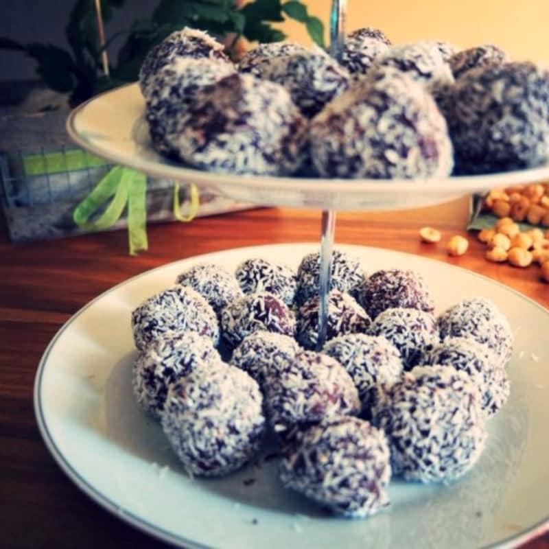 trufas de chocolate y avellanas veganos de coco