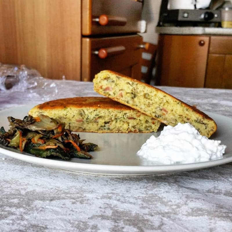 Pancake salato con speck e verdura