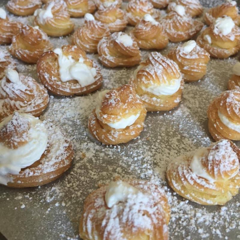 bollos de crema de pastelería