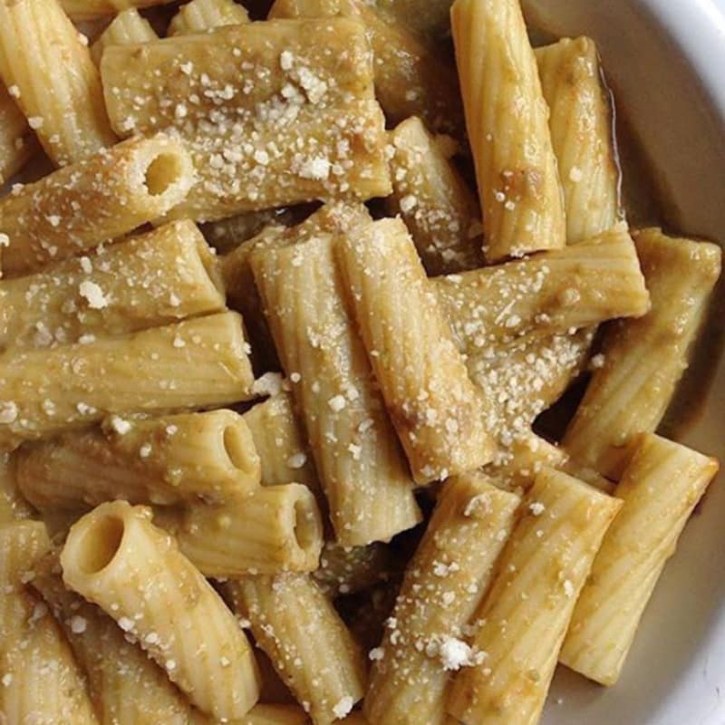Rigatoni with cream of beans and grain