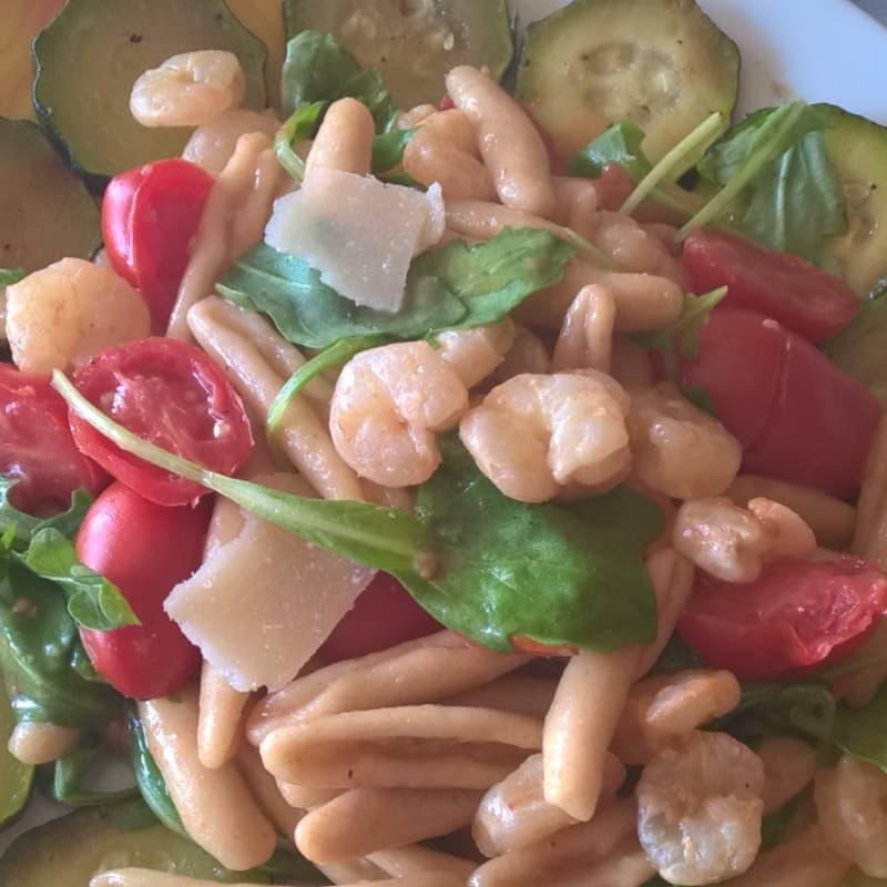 Caserecce integrali con gamberetti e zucchine
